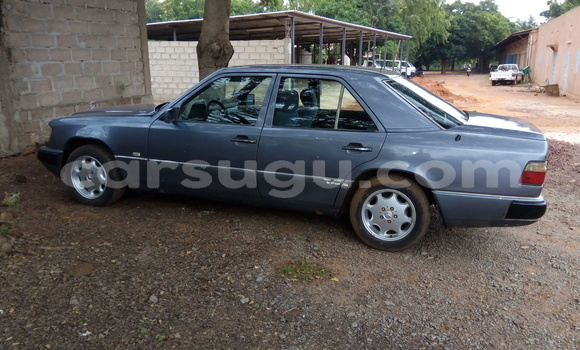 Acheter Occasion Voiture Mercedes‒Benz 250 Autre à Bobo Dioulasso au Burkina-Faso