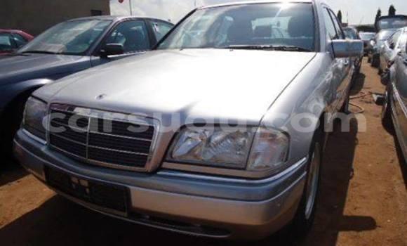 Acheter Occasion Voiture Mercedes‒Benz C-Class Beige à Ouagadougou au Burkina-Faso