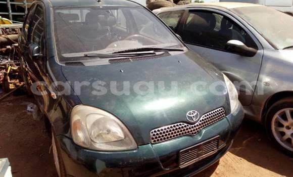 Acheter Occasion Voiture Toyota Yaris Vert à Ouagadougou au Burkina-Faso