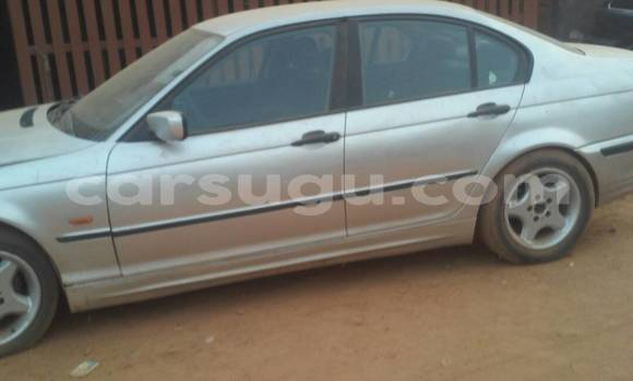 Acheter Occasions Voiture BMW 3–Series Gris à Ouagadougou, Burkina-Faso