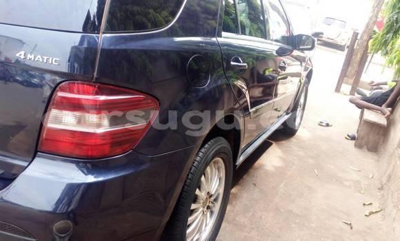 Acheter Occasion Voiture Mercedes-Benz ML–Class Bleu à Ouagadougou, Burkina-Faso