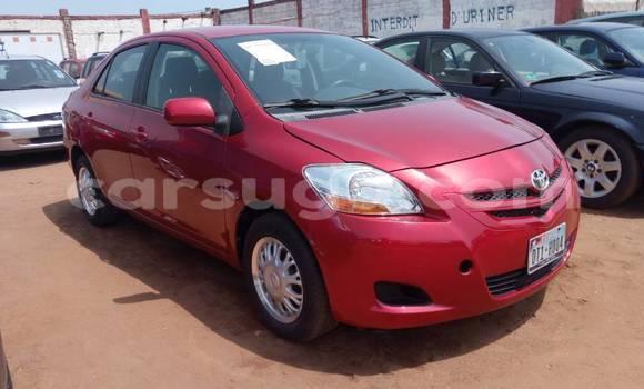 Acheter Occasion Voiture Toyota Yaris Rouge à Ouagadougou au Burkina-Faso
