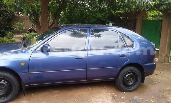 Acheter Occasion Voiture Toyota Corolla Bleu à Ouahigouya au Burkina-Faso