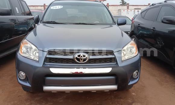 Sayi Na hannu Toyota RAV4 Gris Mota in Ouagadougou a Burkina-Faso
