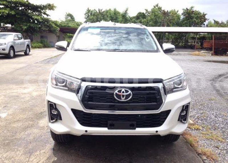 Big with watermark toyota hilux houet bekuy 7720