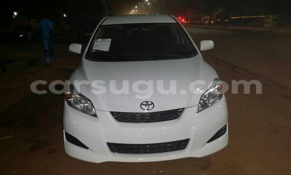 Acheter Occasion Voiture Toyota Matrix Blanc à Ouagadougou, Burkina-Faso