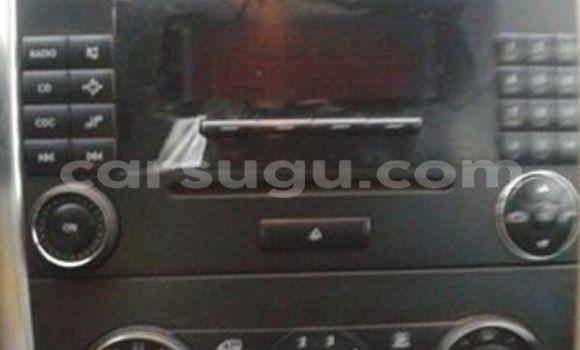 Acheter Occasions Voiture Mercedes‒Benz 200 Gris à Ouagadougou au Burkina-Faso