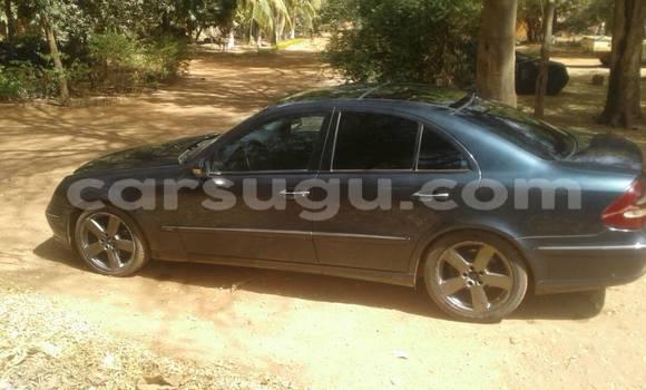 Acheter Occasion Voiture Mercedes‒Benz E–Class Noir à Ouagadougou, Burkina-Faso
