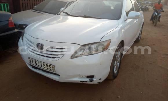 Acheter Occasion Voiture Toyota Camry Blanc à Ouagadougou au Burkina-Faso