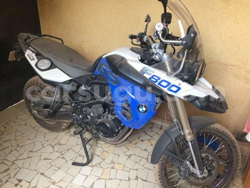Big with watermark moto bmw 2