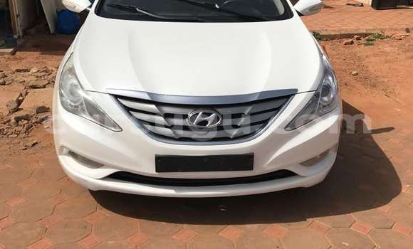 Acheter Occasion Voiture Hyundai Sonata Blanc à Ouagadougou, Burkina-Faso