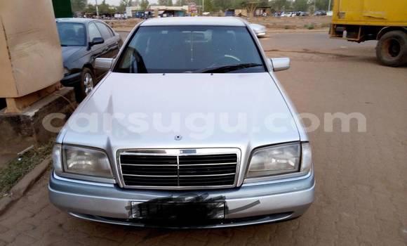 Acheter Occasion Voiture Mercedes-Benz C–Class Gris à Ouagadougou, Burkina-Faso