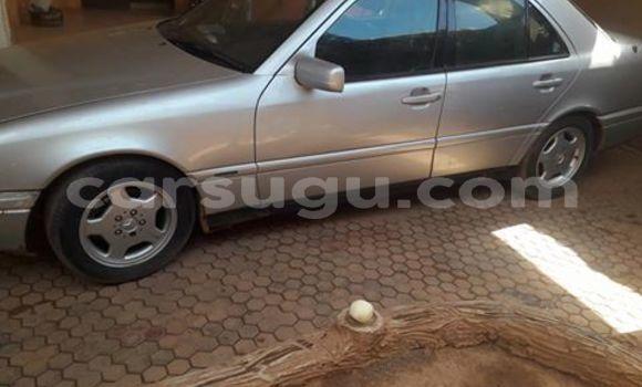 Acheter Occasion Voiture Mercedes‒Benz 250 Gris à Ouagadougou, Burkina-Faso