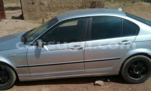 Acheter Occasion Voiture BMW 3–Series Gris à Ouagadougou, Burkina-Faso