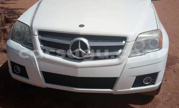 Acheter Occasion Voiture Mercedes‒Benz GLK–Class Blanc à Ouagadougou, Burkina-Faso
