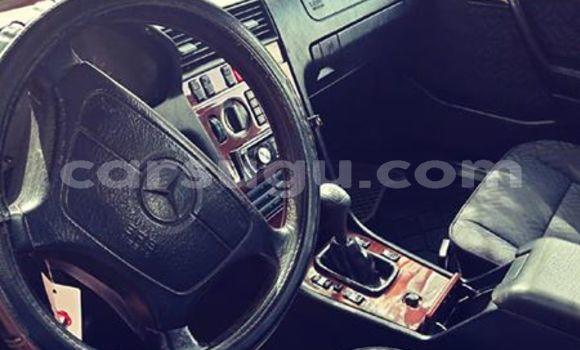 Acheter Occasions Voiture Mercedes‒Benz C-Class Gris à Ouagadougou au Burkina-Faso