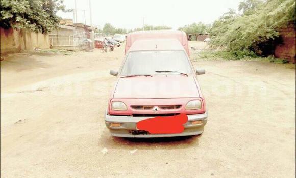 Acheter Occasions Voiture Renault Express Rouge à Ouagadougou au Burkina-Faso