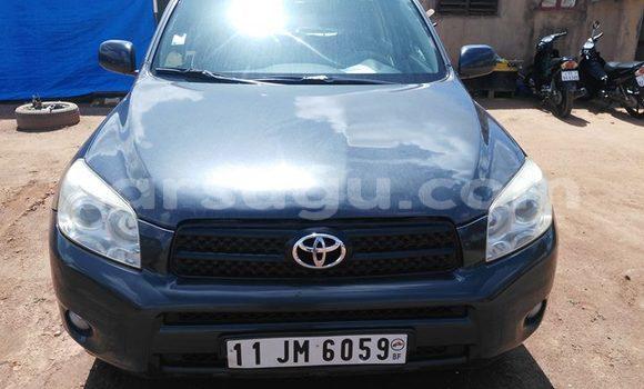 Acheter Occasions Voiture Toyota RAV4 Bleu à Ouagadougou au Burkina-Faso