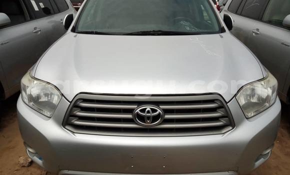 Acheter Occasions Voiture Toyota Highlander Gris à Ouagadougou au Burkina-Faso