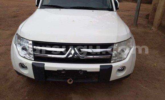 Acheter Occasion Voiture Mitsubishi Pajero Blanc à Ouagadougou, Burkina-Faso