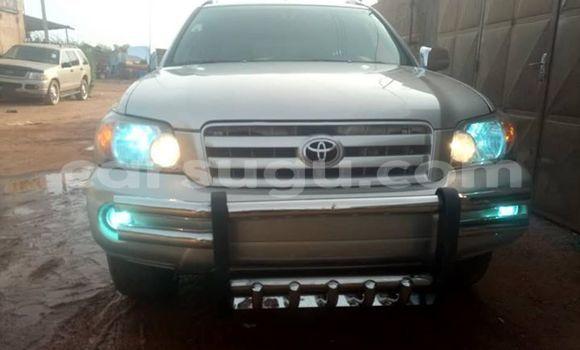 Buy Used Toyota Highlander Silver Car in Ouagadougou in Burkina Faso